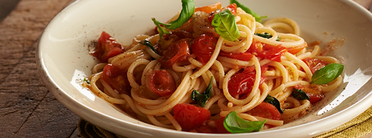 recipe image Spaghetti with Tomato Pasta Sauce